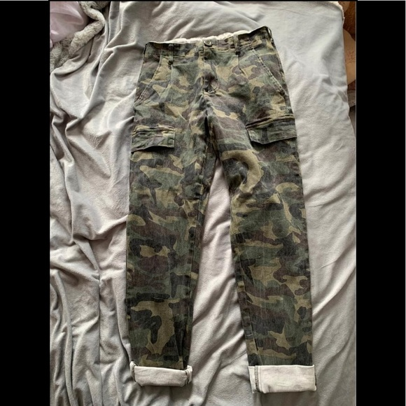 New M boutique army pants size small